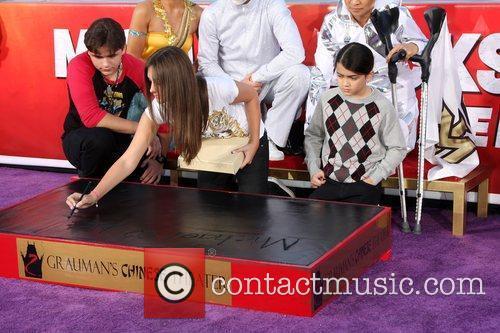Prince Michael Jackson and Paris Jackson 6