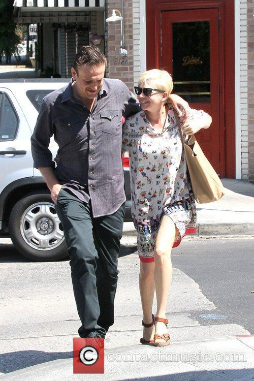 Jason Segel and Michelle Williams 5