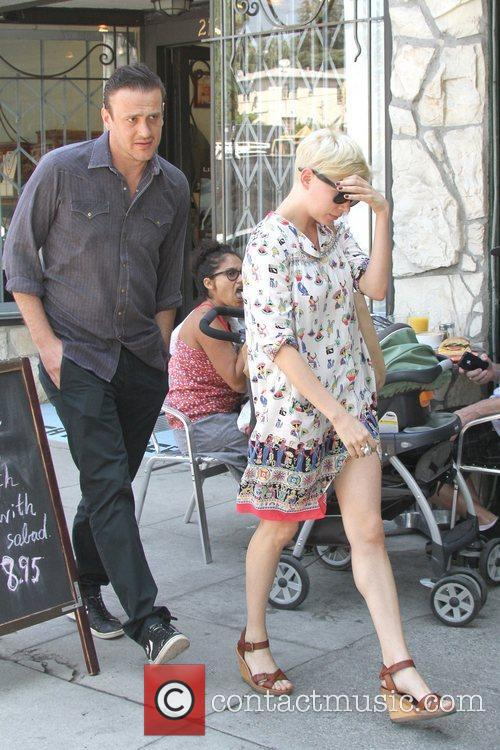 Jason Segel and Michelle Williams 10