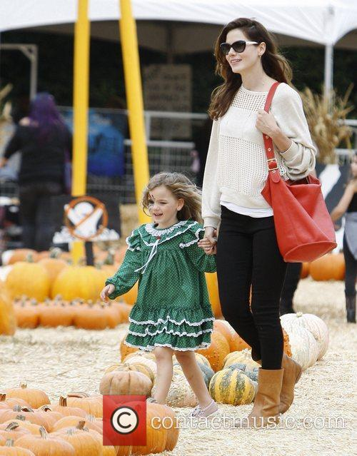 Michelle Monaghan and Willow 10