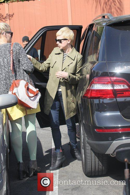 Michelle Williams and Busy Philipps 13