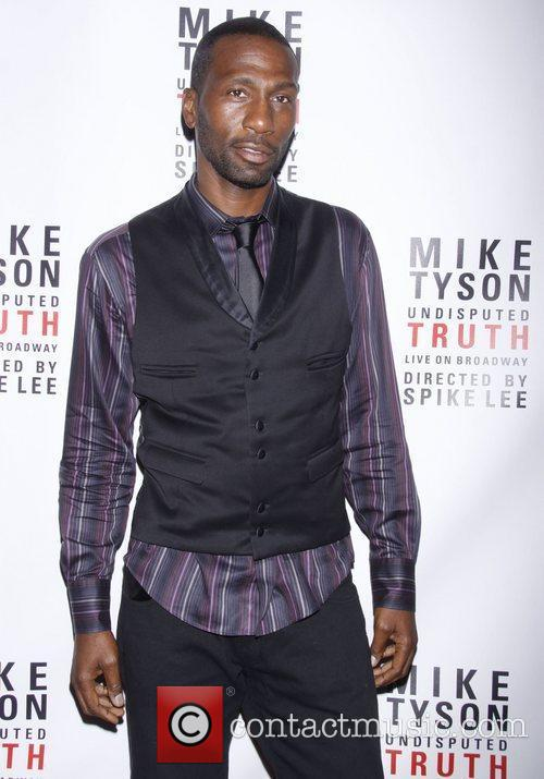 Leon Robinson, Celebration and Mike Tyson 1