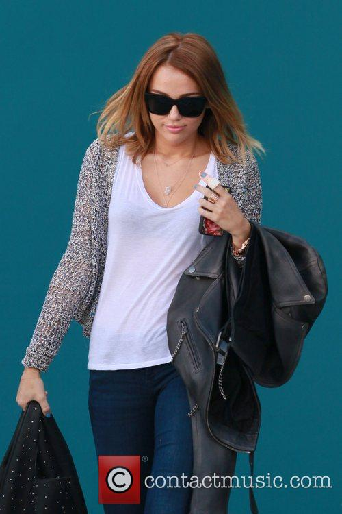miley cyrus exits her pilates class los 5832405