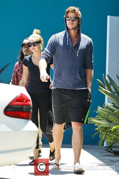 Miley Cyrus and Liam Hemsworth 31
