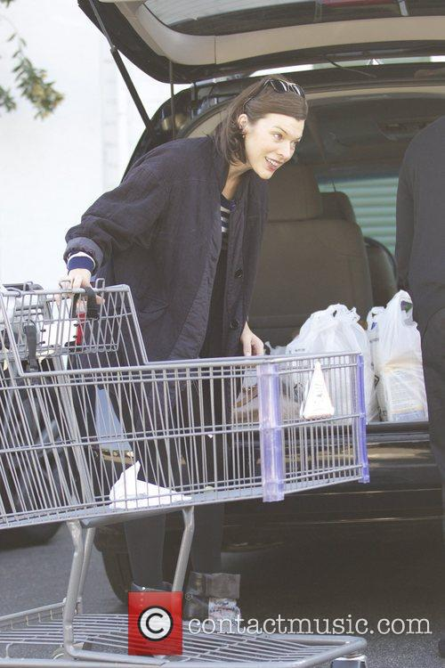 Milla Jovovich, Thanksgiving and Bristol Farms 9