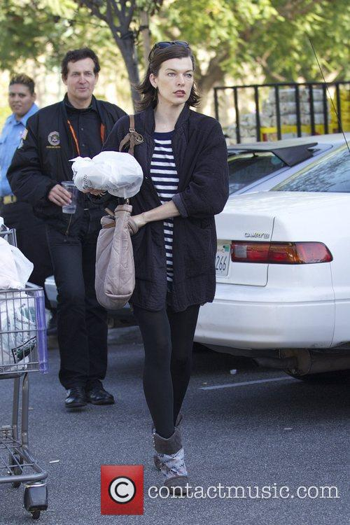 Milla Jovovich, Thanksgiving and Bristol Farms 5