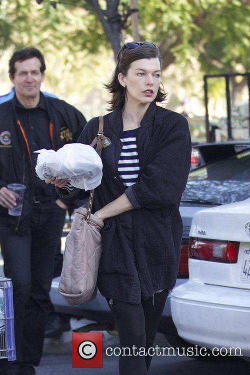 Milla Jovovich, Thanksgiving and Bristol Farms 4