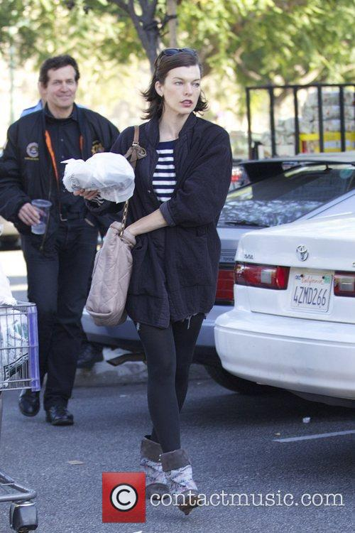 Milla Jovovich, Thanksgiving and Bristol Farms 7