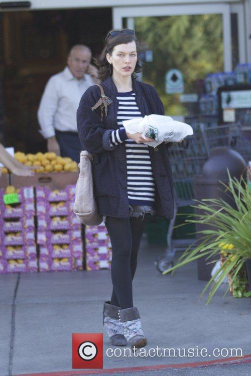Milla Jovovich, Thanksgiving and Bristol Farms 1