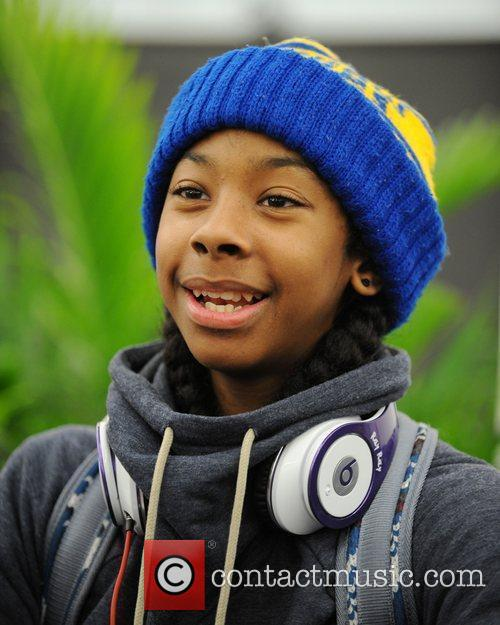 http://www.contactmusic.com/pics/lf/mindless_behavior_090212/ray-ray-of-mindless-behavior-signs-autographs_3719053.jpg