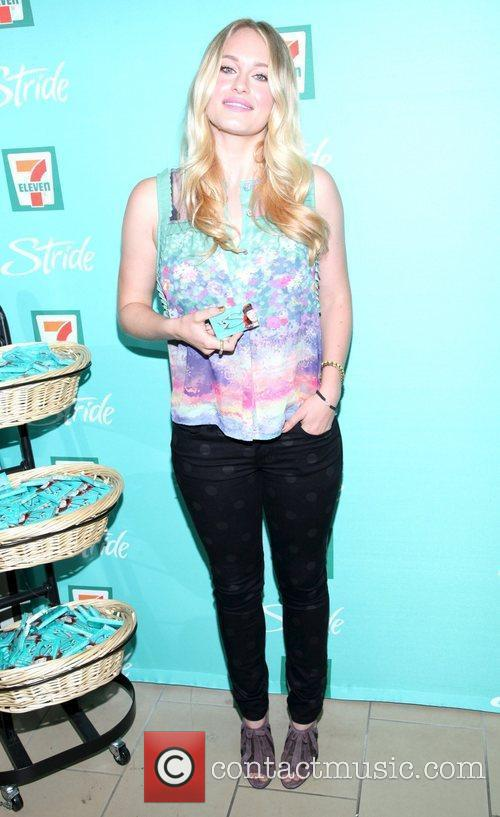 leven rambin 7 eleven stride gum collaborate 5896819