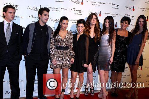 Scott Disick, Kendall Jenner, Khloe Kardashian, Kim Kardashian, Kourtney Kardashian, Kris Jenner, Kylie Jenner and Rob Kardashian 3