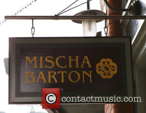 Atmosphere and Mischa Barton 3