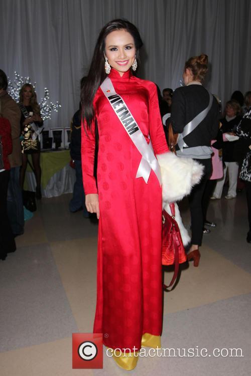 Miss Vietnam Diem Huong Luu Miss Universe 2012...
