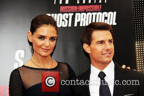 Katie Holmes, Tom Cruise and Ziegfeld Theatre 18