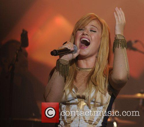 Kelly Clarkson 9