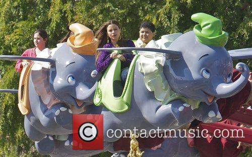 Sofia Vergara, Rico Rodriguez and Disneyland 6