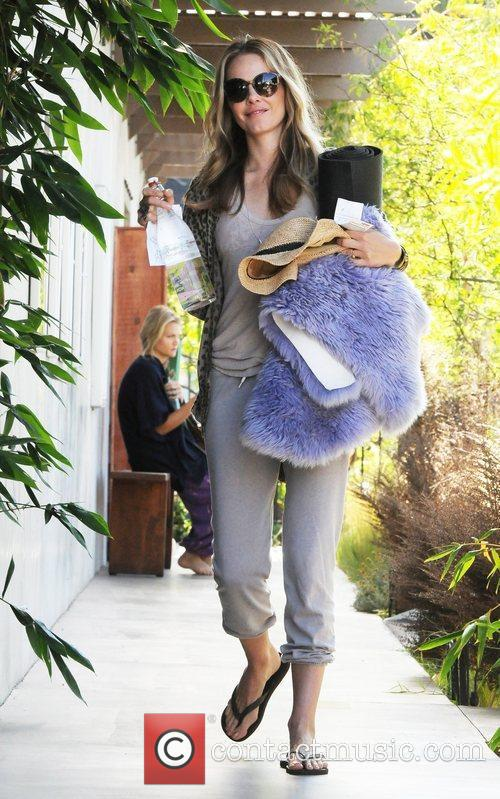 Arrives at a yoga class in West Hollywood