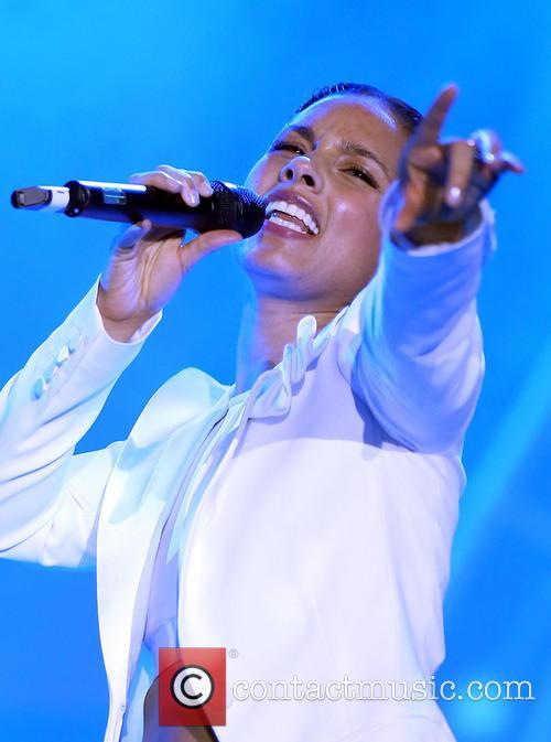 Alicia Keys 25