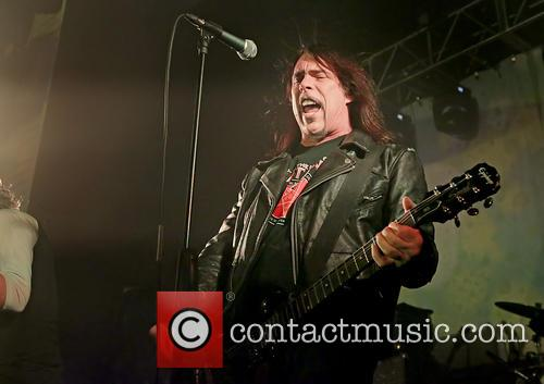 monster magnet performing at manchester academy in 20007633