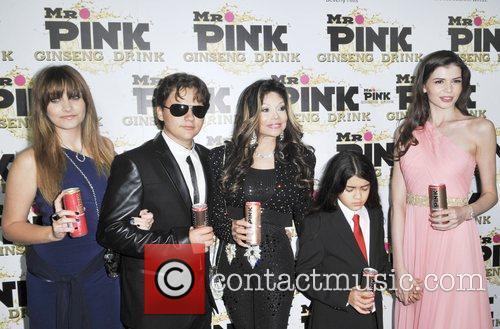 Paris Jackson, Prince Jackson, La Toya Jackson, Blanket Jackson and Monica Gabor 9