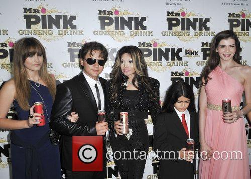 Paris Jackson, Prince Jackson, La Toya Jackson, Blanket Jackson and Monica Gabor 7