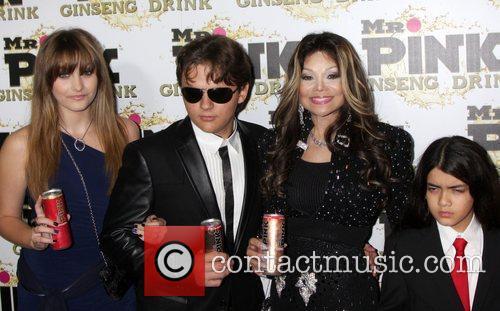 Paris Jackson, Prince Jackson, La Toya Jackson and Blanket Jackson 6