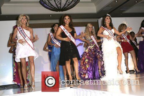 Carla Gonzalez, Helen Trancasas, Stephanie Mills 2012 Ms....