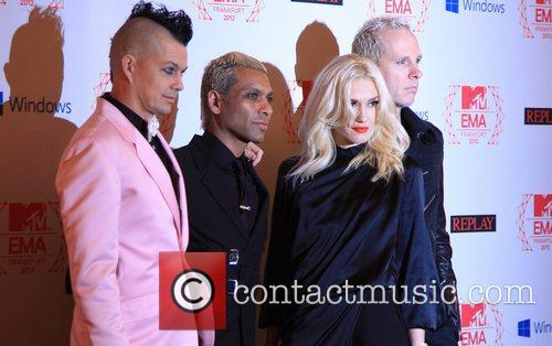 Adrian Young, Tony Kanal, Gwen Stefani, Tom Dumont and No Doubt 4