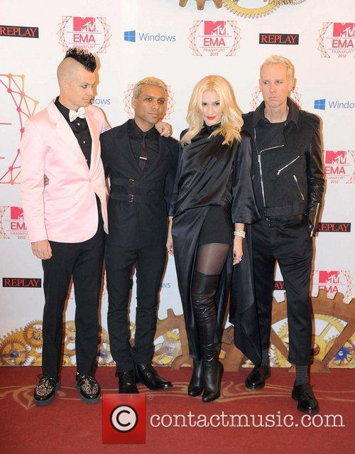 Gwen Stefani, Tony Kanal, Adrian Young, Tom Dumont and No Doubt 1