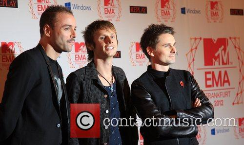 Chris Wolstenholme, Dominic Howard, Matthew Bellamy and Muse 1