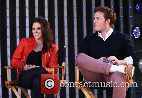 Kristen Stewart and Sam Claflin 4