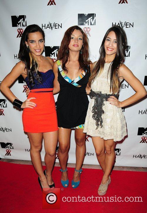Maria Gabriela De Foria, Raquel Rojas and Sol...