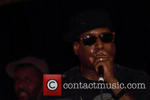 Performs at J&R MusicWorld's MusicFest & Tech Expo...