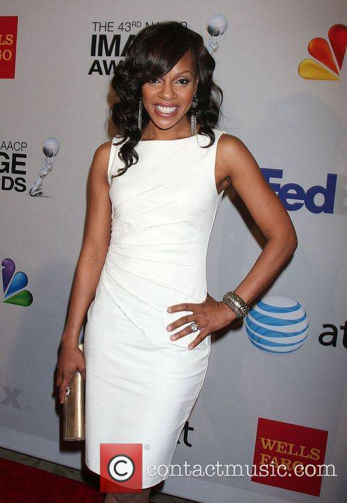 Wendy Raquel Robinson arrives at the NAACP Image...