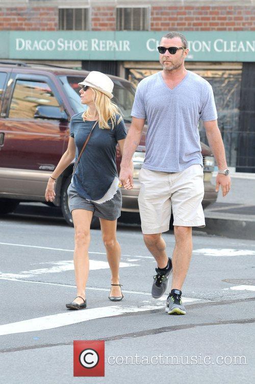 Naomi Watts and Liev Schreiber 8