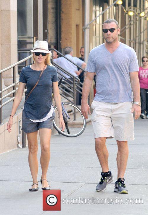Naomi Watts and Liev Schreiber 9
