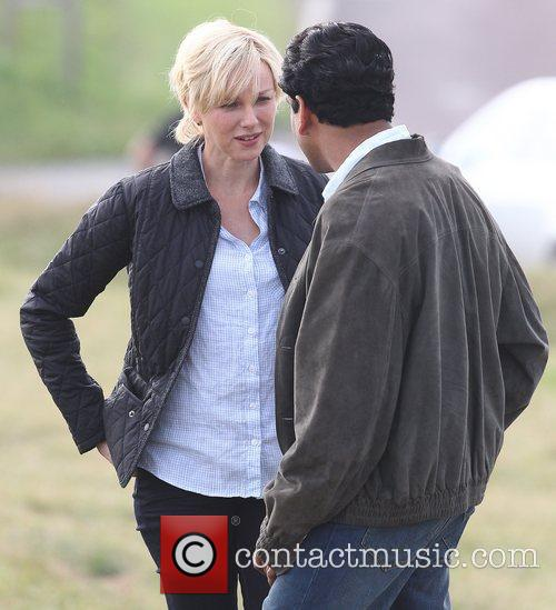 Naomi Watts and Naveen Andrews 1