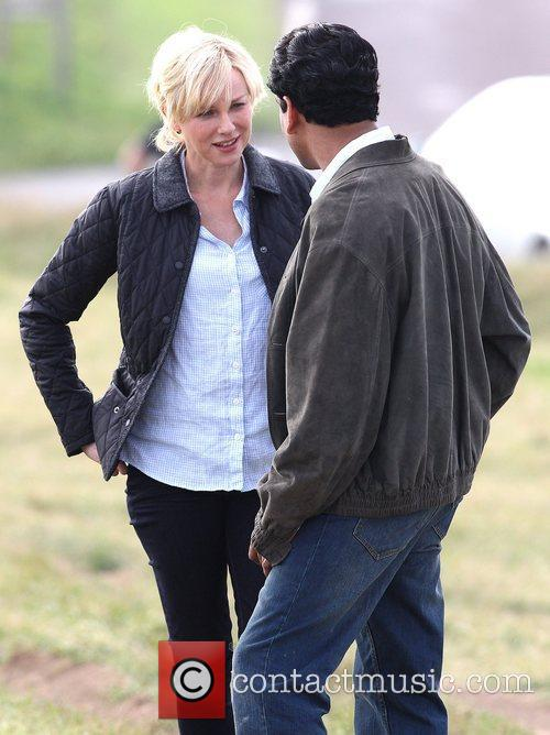Naomi Watts and Naveen Andrews 8