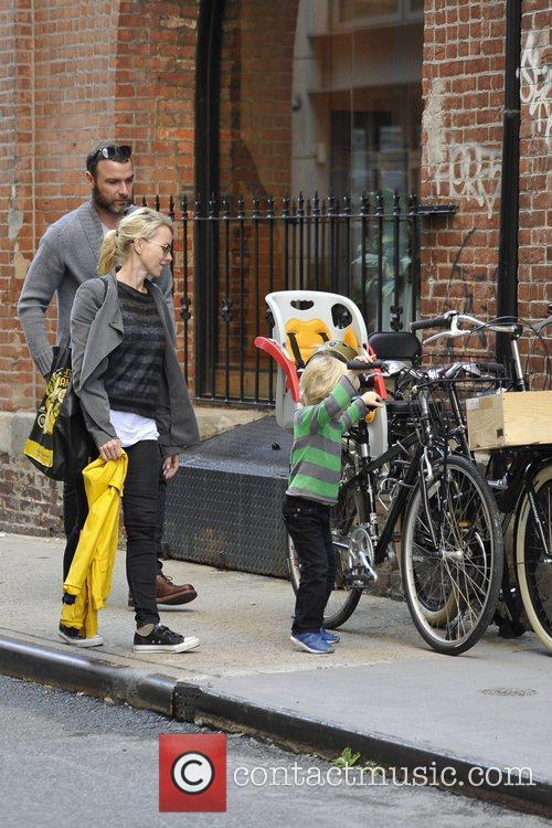 Naomi Watts and Liev Schreiber 17