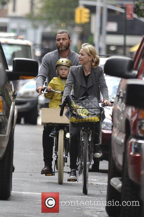 Naomi Watts and Liev Schreiber 24