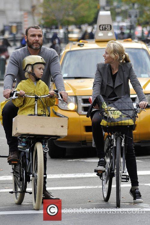 Naomi Watts and Liev Schreiber 31