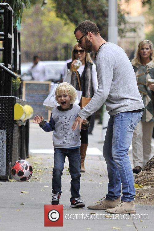 liev schreiber and son alexander play along 5935695