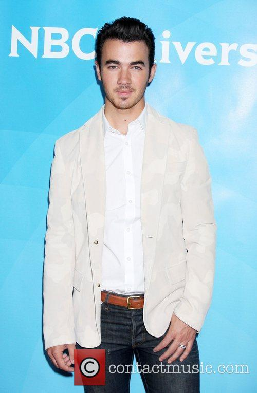 Kevin Jonas and Beverly Hilton Hotel 4