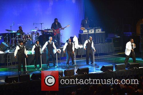 new edition perform at bank united center 5836806