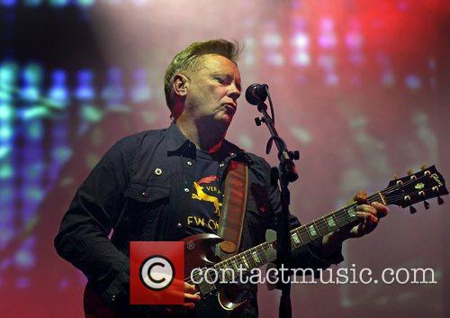 Bernard Sumner and Manchester O2 Apollo 3