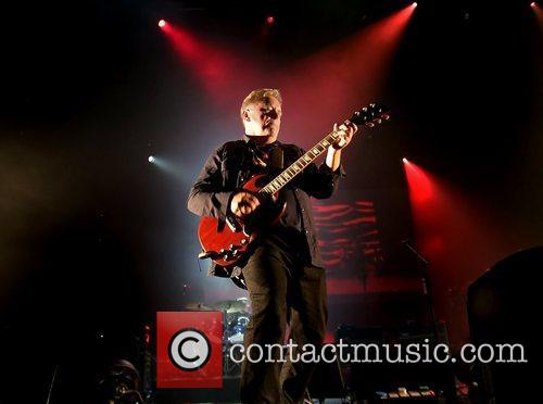 Bernard Sumner and Manchester O2 Apollo 7