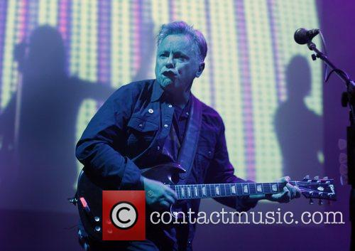 Bernard Sumner and Manchester O2 Apollo 14