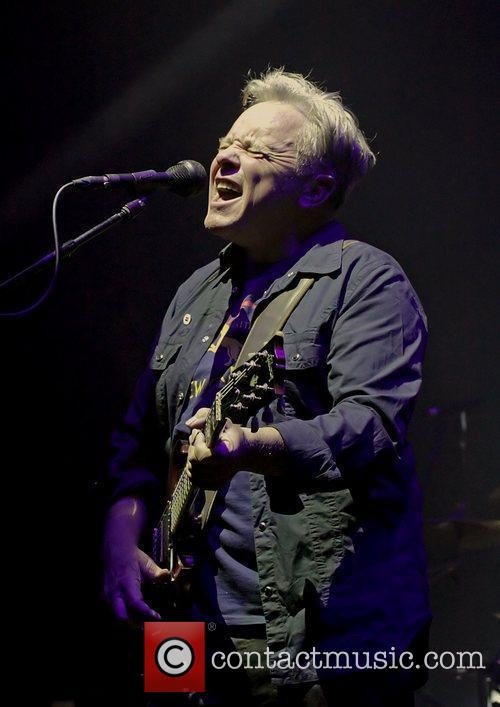 Bernard Sumner and Manchester O2 Apollo 15