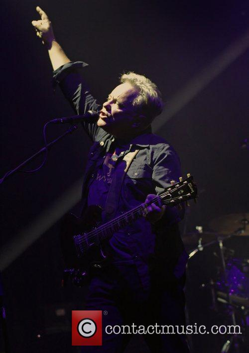 Bernard Sumner and Manchester O2 Apollo 17